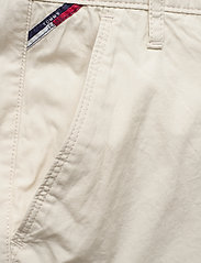 Tommy Jeans - TJW ESSENTIAL CHINO SHORT - chino shorts - light silt - 2