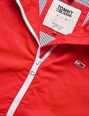 Tommy Jeans - TJW HOODED WINDBREAK - vestes legères - deep crimson - 3