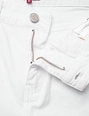 Tommy Jeans - KATIE CROP FLARE MRW - schlaghosen - mars white com - 3