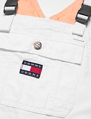 Tommy Jeans - DUNGAREE SHORT CLWTH - buksedragter - classic white twill - 2