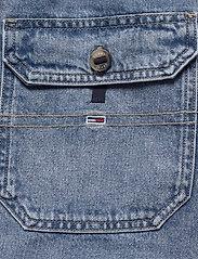 Tommy Jeans - DUNGAREE DRESS CRLT - denim dresses - carol lt bl rig - 6