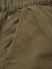 Tommy Jeans - SHORT CARGO SKIRT OL - jupes courtes - olive tree canvas - 3