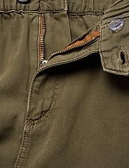 Tommy Jeans - SHORT CARGO SKIRT OL - jupes courtes - olive tree canvas - 4