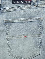 Tommy Jeans - MEG MR WIDE LEG ANKLE CNLBCF - brede jeans - cony light blue comfort - 4