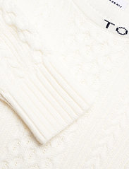 Tommy Jeans - TJW BRANDED NECK CABLE SWEATER - tröjor - snow white - 2