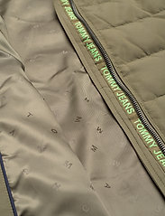 Tommy Jeans - TJW QUILTED DOWN COAT - quilted jackets - olive tree - 7