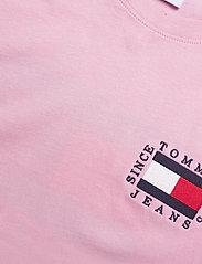 Tommy Jeans - TJW BOX FLAG TEE - t-shirts - romantic pink - 2