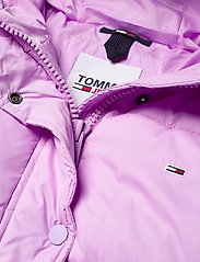 Tommy Jeans - TJW BELTED PUFFER - dun- & vadderade jackor - fresh orchid - 4