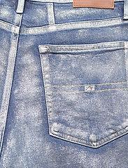 Tommy Jeans - MOM JEAN HR TPRD MTLC - mammajeans - metallic com - 4