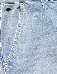 Tommy Jeans - MOM JEAN CARGO SVLBR - mom jeans - save ps lb rig dest - 4