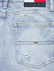 Tommy Jeans - MOM JEAN CARGO SVLBR - mom jeans - save ps lb rig dest - 6