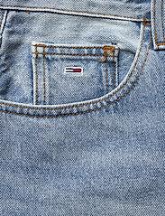 Tommy Jeans - MOM JEAN ULTRA HR TPRD EMF SPLBR - mom jeans - emf sp lb rgd - 2