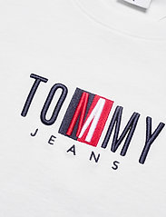 Tommy Jeans - TJW REGULAR TIMELESS BOX TEE - t-shirts - white - 2