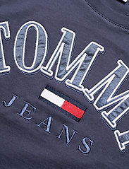 Tommy Jeans - TJW RELAXED COLLEGE LOGO TEE - t-shirts - twilight navy - 2