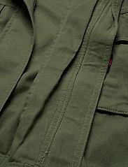 Tommy Jeans - TJW CROP UTILITY JACKET - utility jackets - desert olive - 3