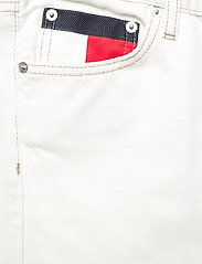 Tommy Jeans - HARPER HR FLARE ANKLE BF SSPWR - schlaghosen - save sp white rgd - 2
