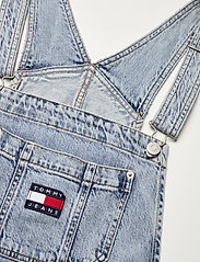 Tommy Jeans - DENIM DUNGAREE TJLLBC - jumpsuits - leon lb com - 2