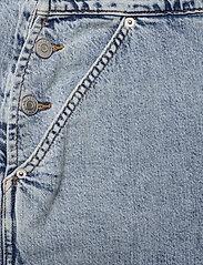 Tommy Jeans - DENIM DUNGAREE TJLLBC - jumpsuits - leon lb com - 3