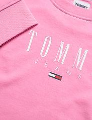 Tommy Jeans - TJW REGULAR ESSENTIAL LOGO - sweatshirts & hoodies - pink daisy - 2