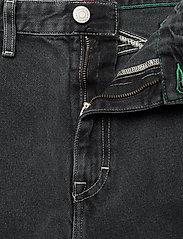 Tommy Jeans - MOM JEAN CARGO SVBKR - mom jeans - save ps bk rig - 3