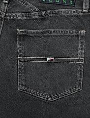 Tommy Jeans - MOM JEAN CARGO SVBKR - mom jeans - save ps bk rig - 4