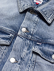 Tommy Jeans - OVERSIZE TRUCKER JACKET ALBC - denimjakker - ames lb com - 2