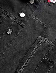 Tommy Jeans - CROPPED TRUCKER JACKET SSPBBRD - jeansjackor - save sp bk bk rgd destr - 4