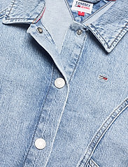 Tommy Jeans - CARGO CROP JACKET TJLLBC - jeansjackor - leon lb com - 2