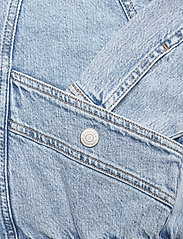 Tommy Jeans - CARGO CROP JACKET TJLLBC - jeansjackor - leon lb com - 3