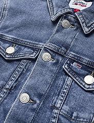 Tommy Jeans - VIVIANNE SLIM DENIM TRUCKER NLBS - jeansjackor - nancy lb str - 2