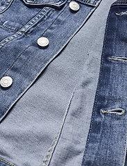 Tommy Jeans - VIVIANNE SLIM DENIM TRUCKER NLBS - jeansjackor - nancy lb str - 3