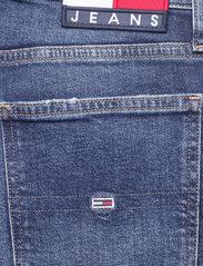 Tommy Jeans - IZZIE HR SLIM ANKLE AE632 MBC - slim jeans - denim medium - 4