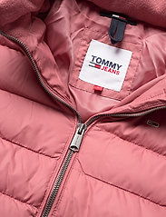 Tommy Jeans - TJW BASIC HOODED DOWN JACKET - dun- & vadderade jackor - withered rose - 2