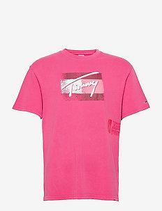 TJM FADED FLAG SCRIPT TEE - kortärmade t-shirts - bright cerise pink