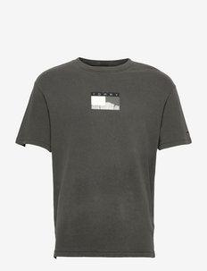 TJM TONAL FLAG TEE - kortärmade t-shirts - black