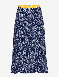 TJW FLORAL MIDI SKIRT - SCATTERED FLORAL / BLUE DEPTHS