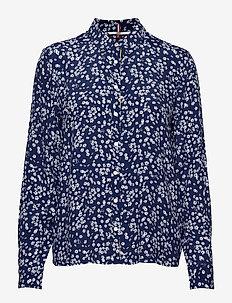 TJW FLORAL LONGSLEEVE BLOUSE - blouses à manches longues - scattered floral / blue depths