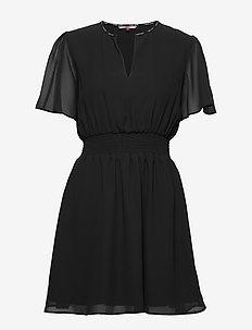 TJW SHORTSLEEVE SMOCK DRESS - TOMMY BLACK