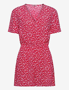 TJW FLORAL PLAYSUIT - jumpsuits - floral print / deep crimson