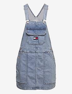 CARGO DUNGAREE DRESS TJLLBC - jeansklänningar - leon lb com