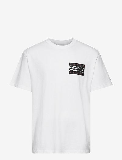 TJM BACK FLAG TEE C - t-shirts - white