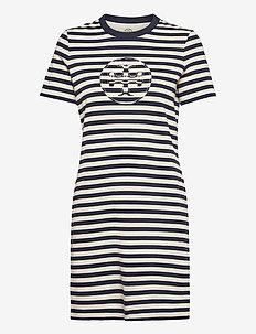 Striped Logo T-Shirt Dress - sommerkjoler - tory navy/new ivory