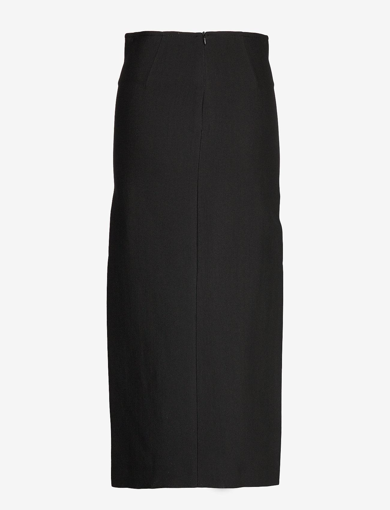Antisanti (Black 200) - Totême culmeY