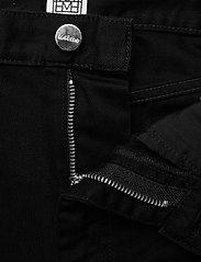 Totême - ORIGINAL DENIM - straight jeans - black rinse 290 - 4