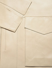 Totême - AVIGNON LEATHER JACKET - nahkatakit - ivory 160 - 3