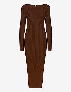 ORVILLE DRESS - strikkjoler - dark brown 899