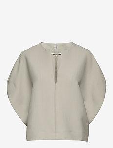 PENICTON - short-sleeved blouses - desert 308