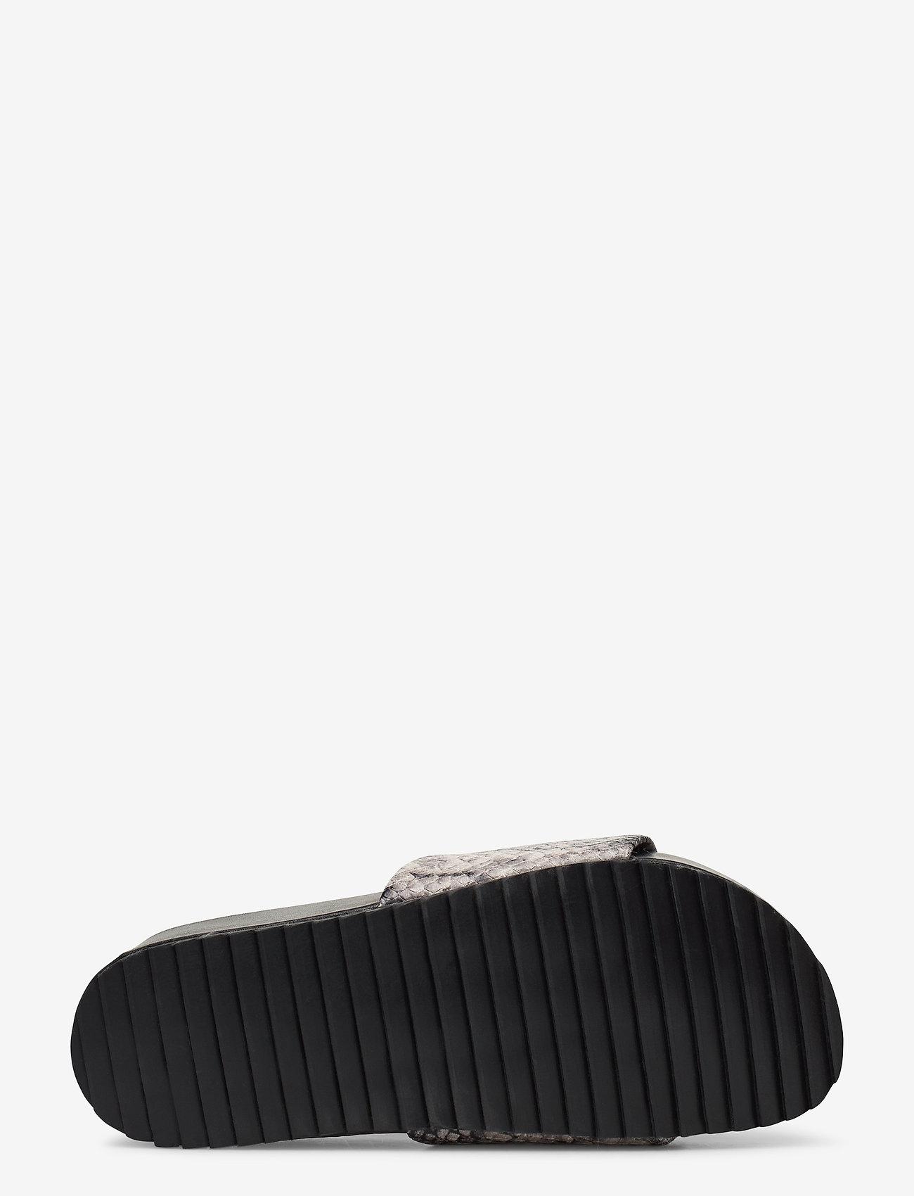 Split Sandals (Grey Snake) (799.50 kr) - Twist & Tango