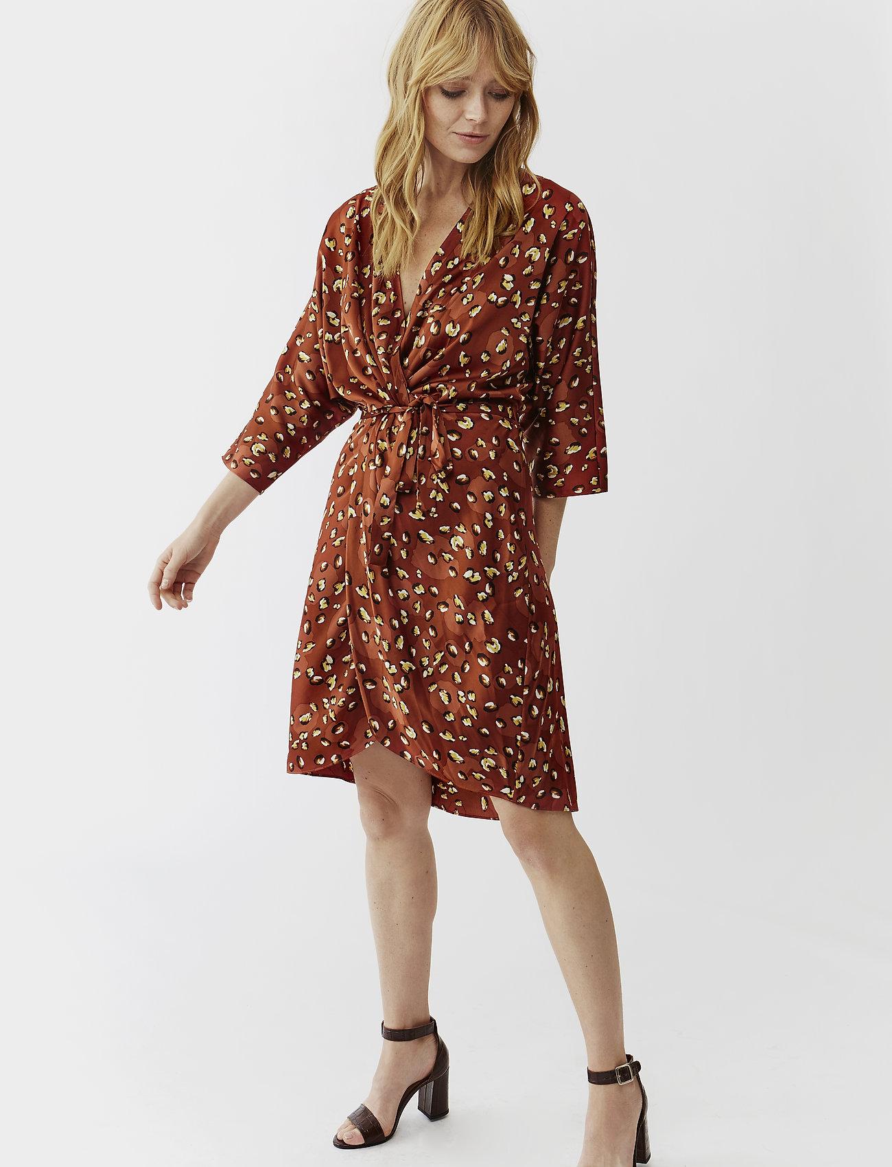 Twist & Tango - Georgina Dress Mini - omlottklänningar - terracotta leo - 0