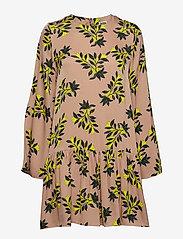 Twist & Tango - Tilly Dress Sand Flower - korta klänningar - sand flower - 1